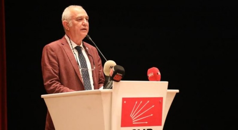 5 maskeyi  dağıtamayan AKP, Türkiye Cumhuriyeti'ne hiç yakışmıyor ama Kadem Mete bu partiye gerçekten çok yakışıyor.