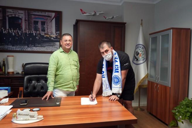 Milas Belediyespor Voleybol takımında imzalar atıldı.